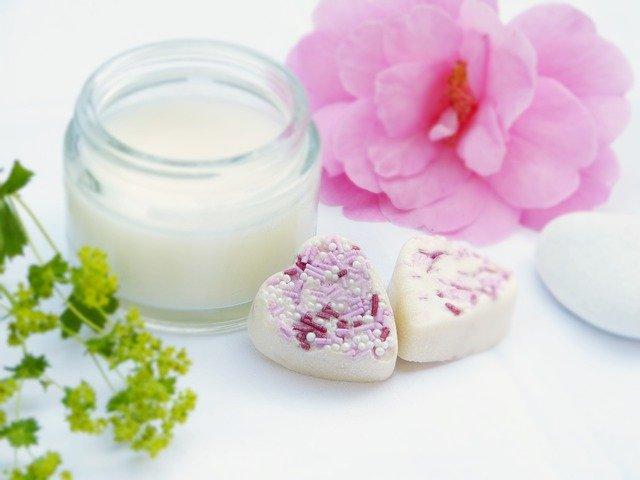 La texture delle creme cosmetiche: importanza e differenze