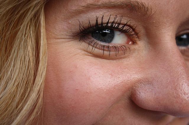 Il contorno occhi e le zampe di gallina