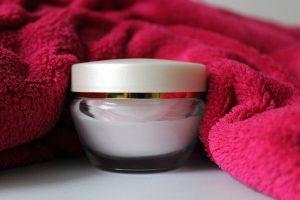 La migliore Crema Viso Idratante: come scegliere e quali caratteristiche deve avere per essere valida